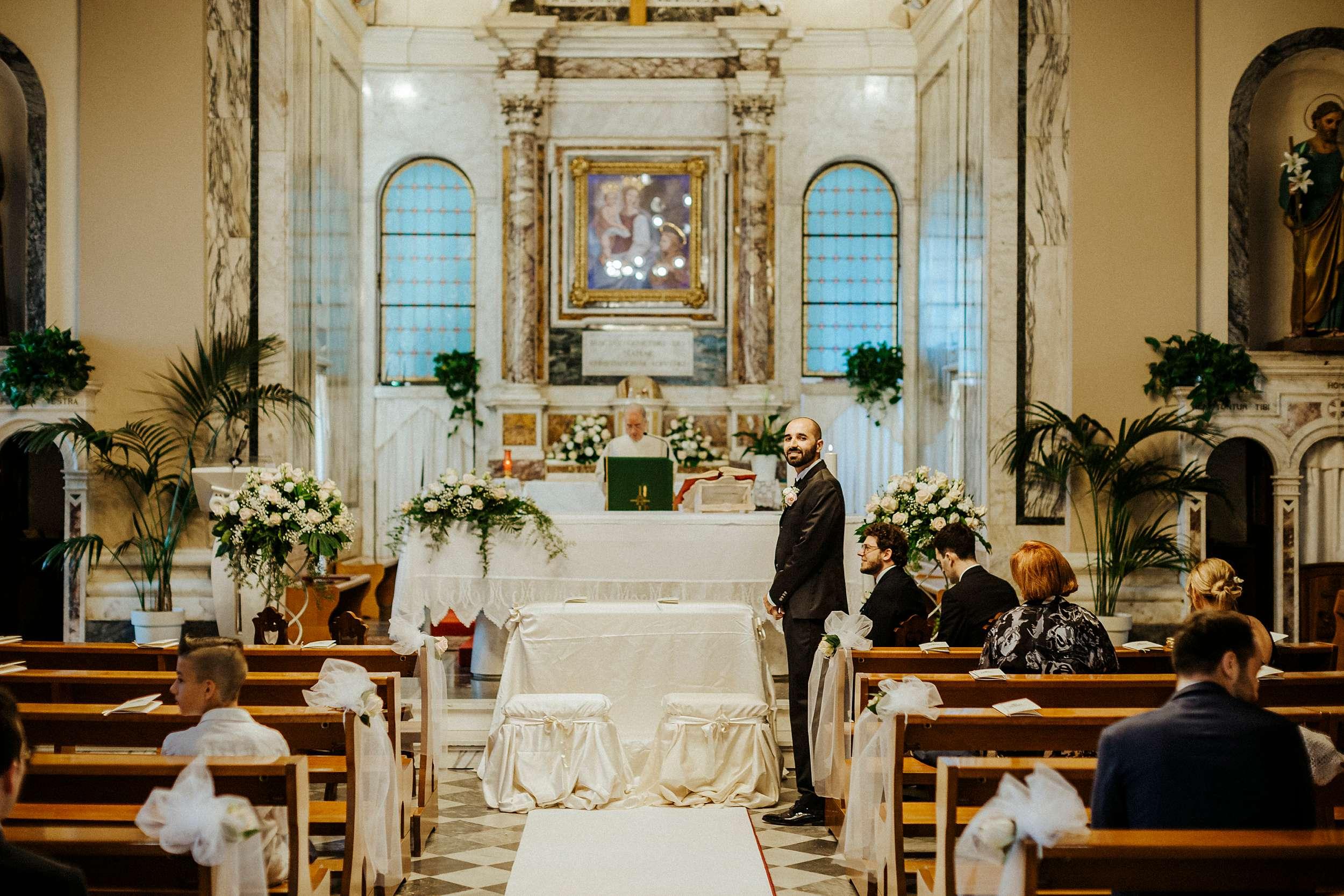 cerimonia religiosa a massa carrara villa vittoria